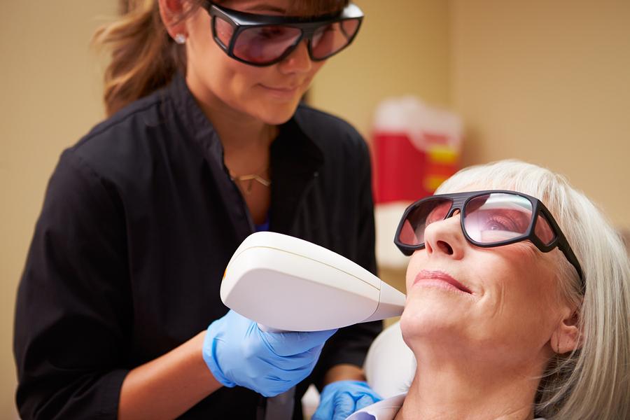 Jaki laser kosmetyczny kupić do salonu piękności?