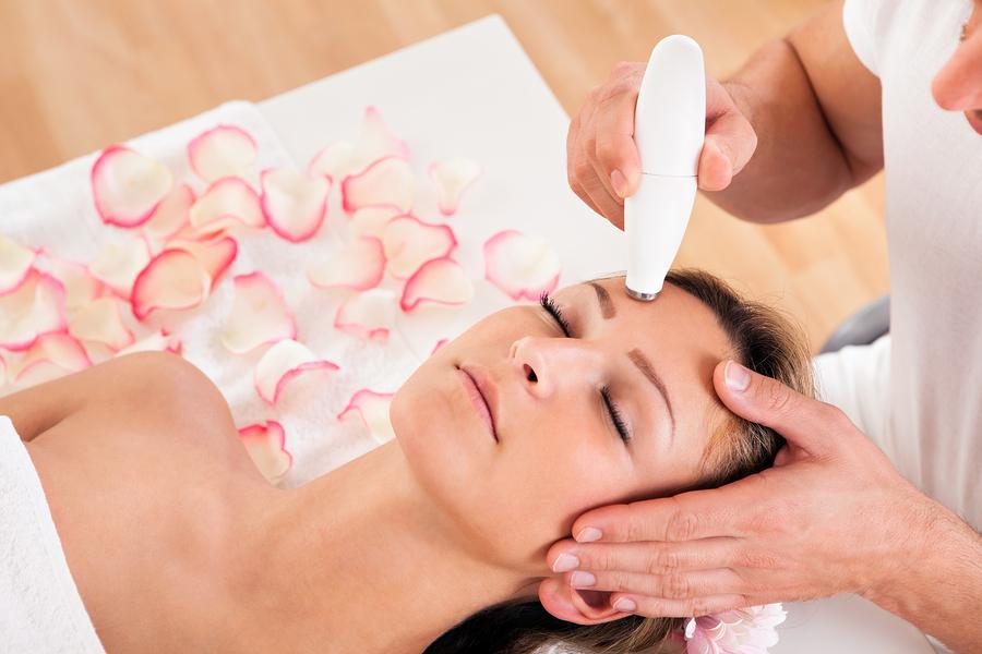 Ultradźwiękowy masaż twarzy