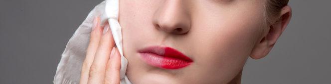 Demakijaż i oczyszczanie twarzy